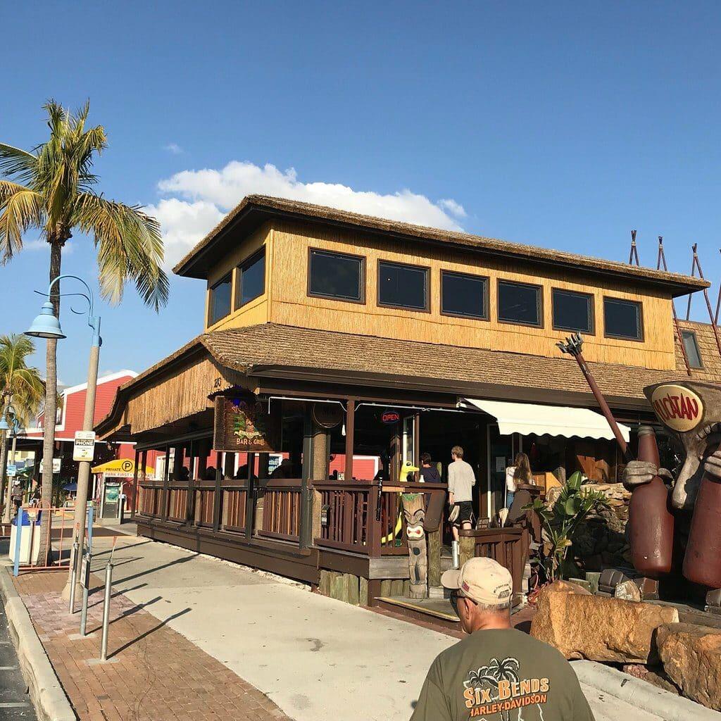 yucatan beach stand bar 44f451e916df7cf44807b6c3dd705334